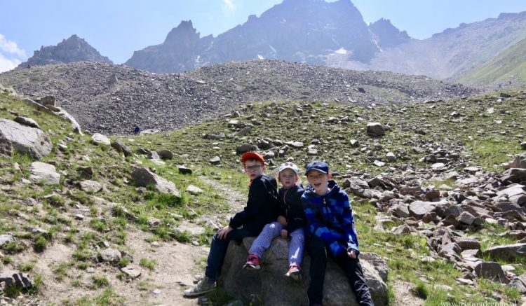 Met kinderen naar Shymbulak en de Talgar pas