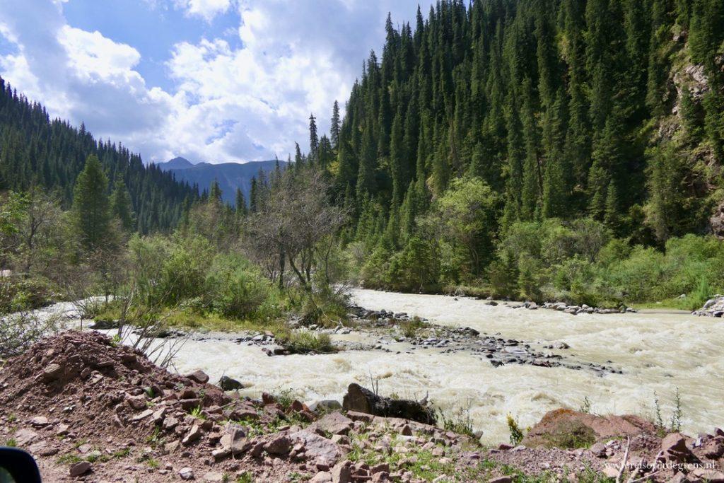 Jeti Oguz Bloemenvallei Kirgizië