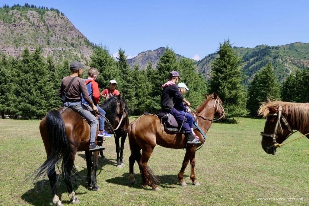 Paardrijden Bloemenvallei Kirgizië